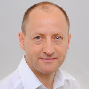 Dr. Henning Sartor